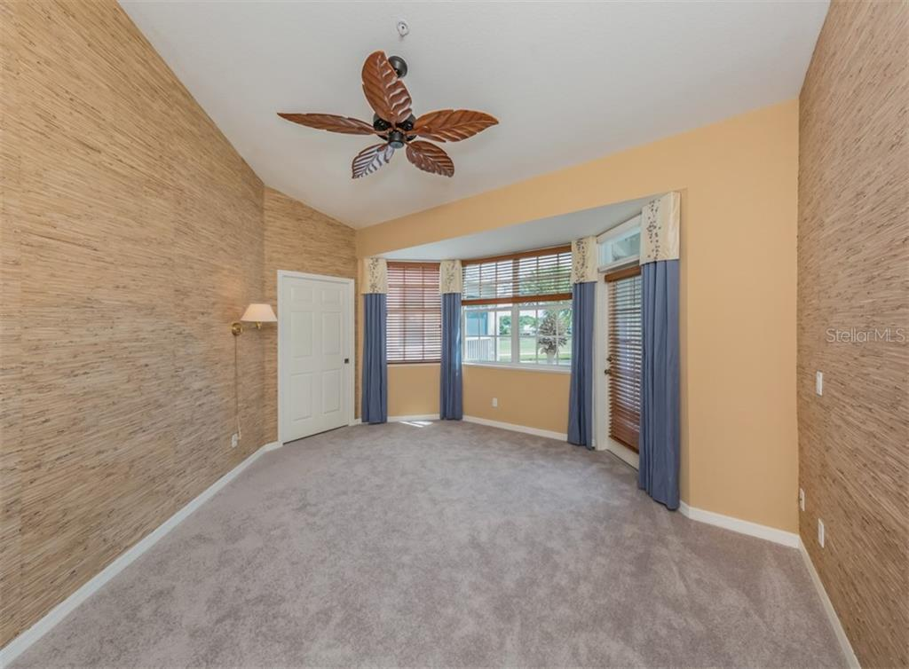 Master bedroom - Condo for sale at 119 Woodbridge Dr #204, Venice, FL 34293 - MLS Number is A4461406