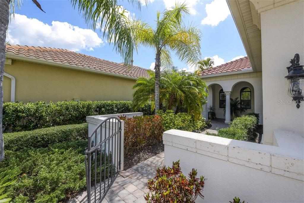 Single Family Home for sale at 7310 Wexford Ct, Lakewood Ranch, FL 34202 - MLS Number is A4461818