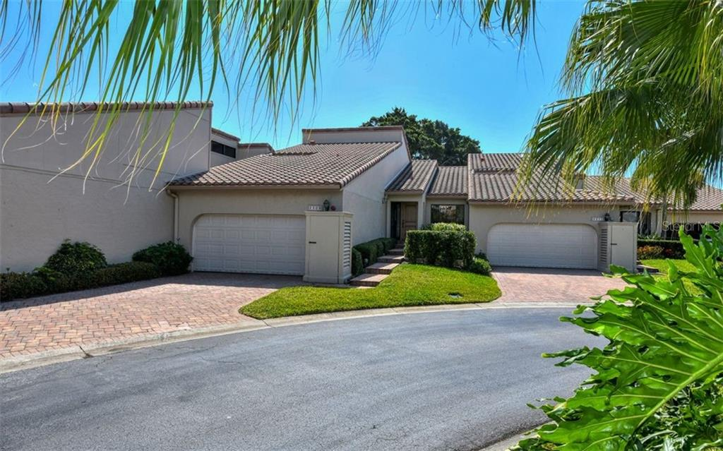 Villa for sale at 2309 Harbour Oaks Dr, Longboat Key, FL 34228 - MLS Number is A4462037