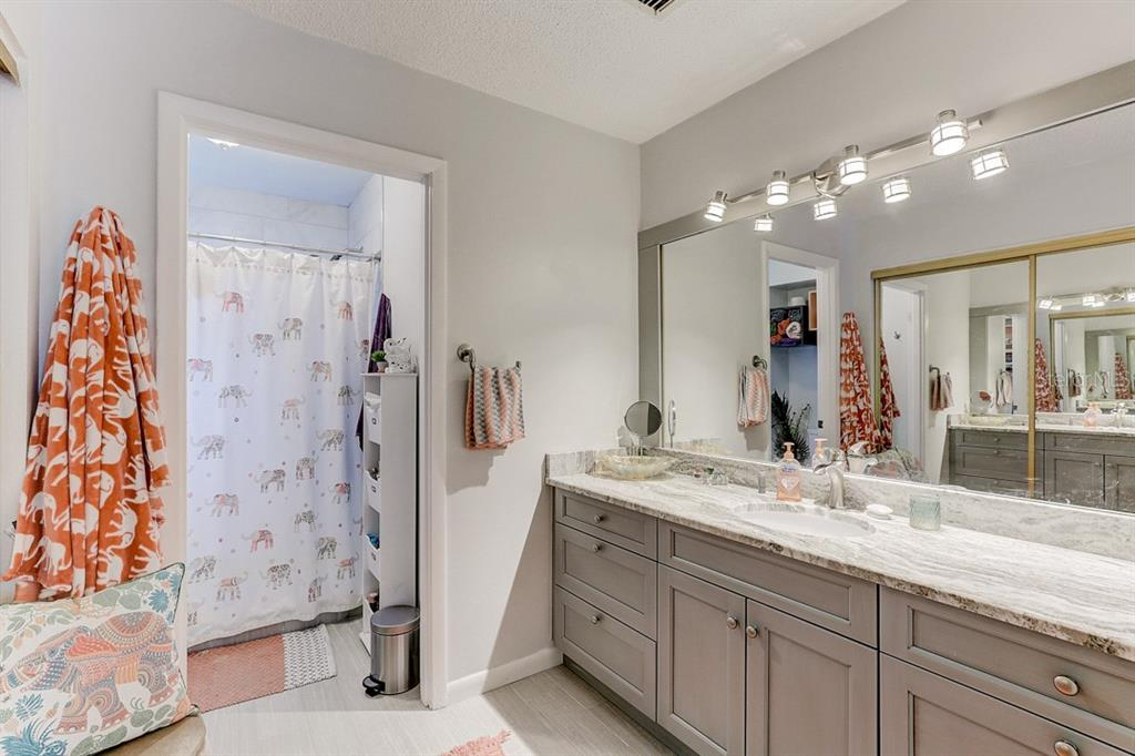 Master Bathroom - Condo for sale at 2319 Lakeside Mews #B3, Sarasota, FL 34235 - MLS Number is A4462396