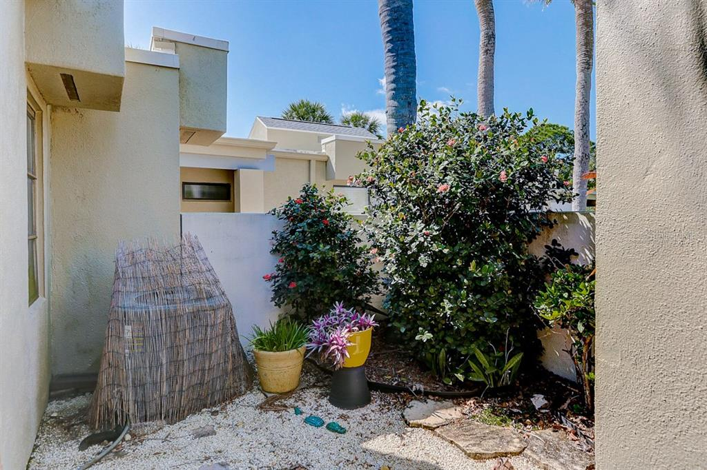 Front Entry Way Garden - Condo for sale at 2319 Lakeside Mews #B3, Sarasota, FL 34235 - MLS Number is A4462396