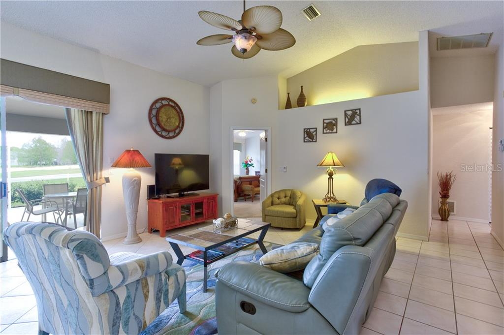 Single Family Home for sale at 6439 Stone River Rd, Bradenton, FL 34203 - MLS Number is A4462528