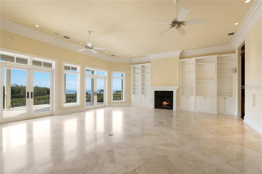 Single Family Home for sale at 7052 Hawks Harbor Cir, Bradenton, FL 34207 - MLS Number is A4462740