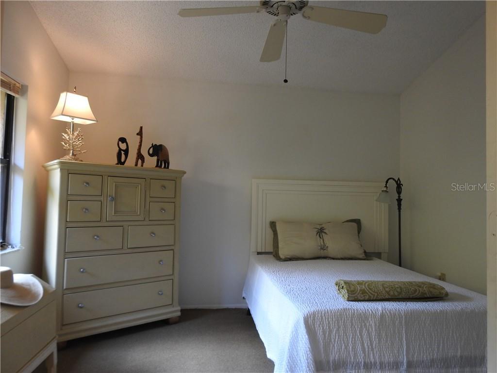 5705 Monte Rosso Rd, Sarasota, FL 34243