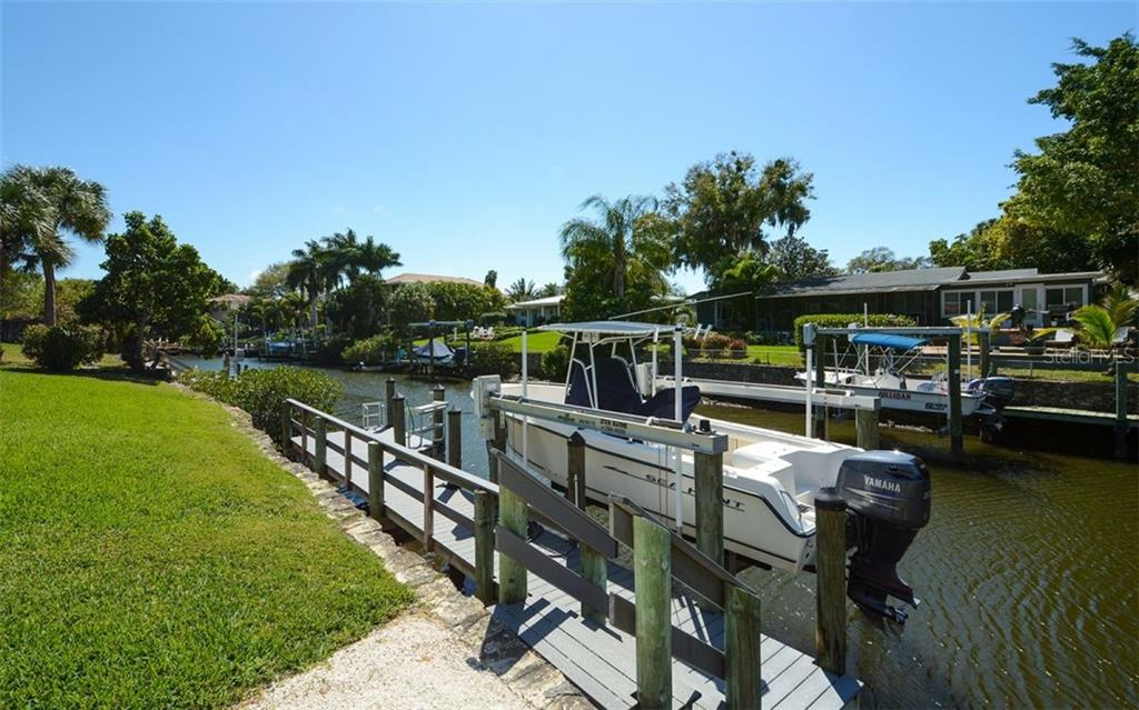 Single Family Home for sale at 7312 Cove Terrace 7312 Cove Terrace, Sarasota, FL 34231 - MLS Number is A4464086