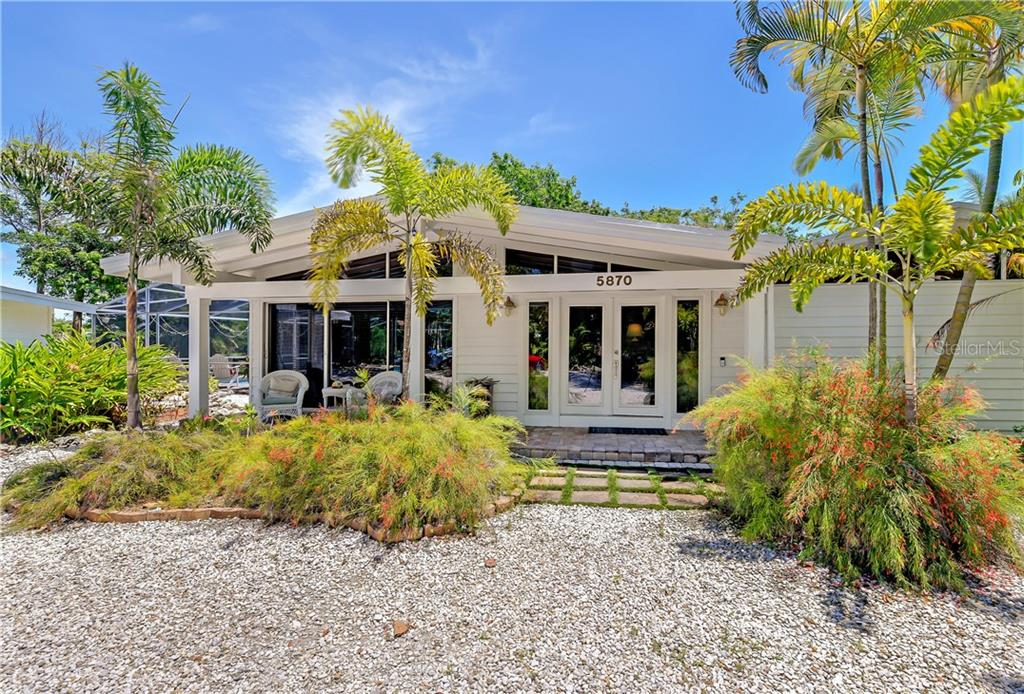 Single Family Home for sale at 5870 Gulf Of Mexico Dr, Longboat Key, FL 34228 - MLS Number is A4466010