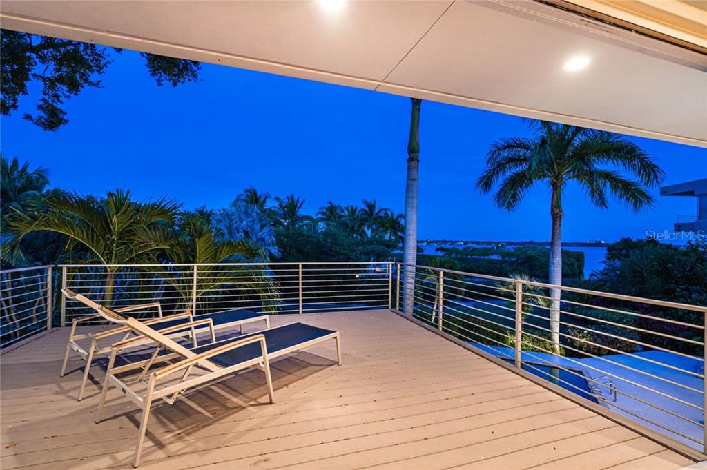 Single Family Home for sale at 1320 Point Crisp Rd, Sarasota, FL 34242 - MLS Number is A4468624
