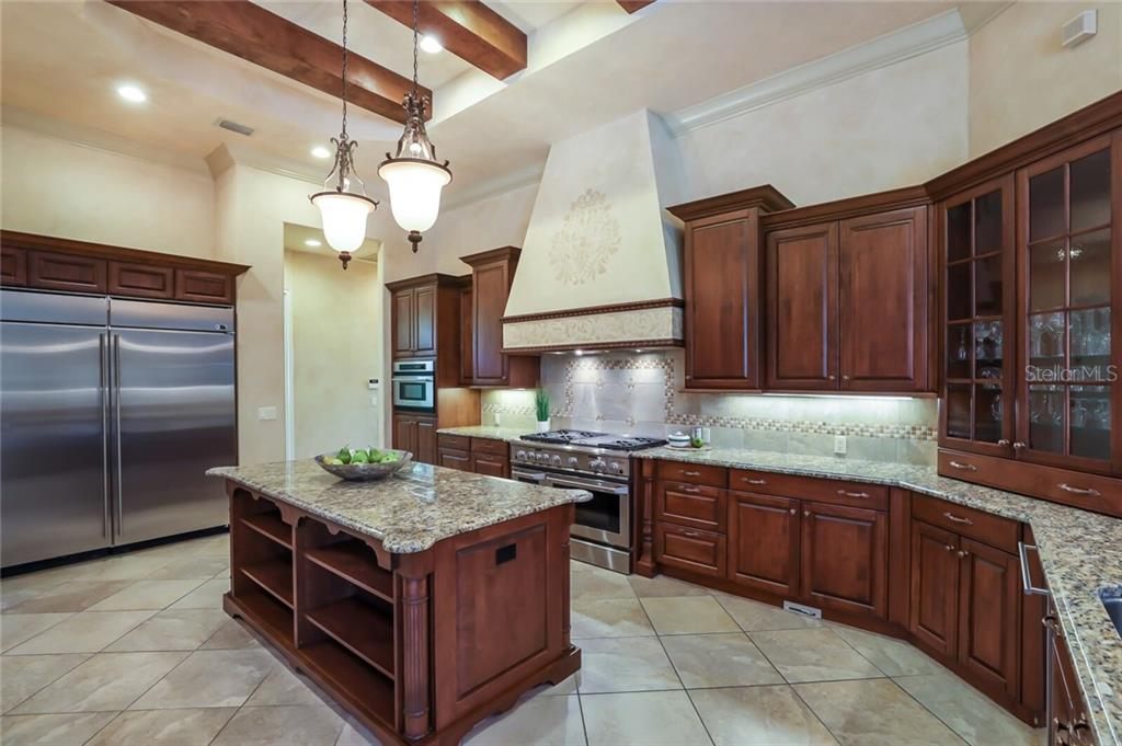 Single Family Home for sale at 12505 Highfield Cir, Lakewood Ranch, FL 34202 - MLS Number is A4472219