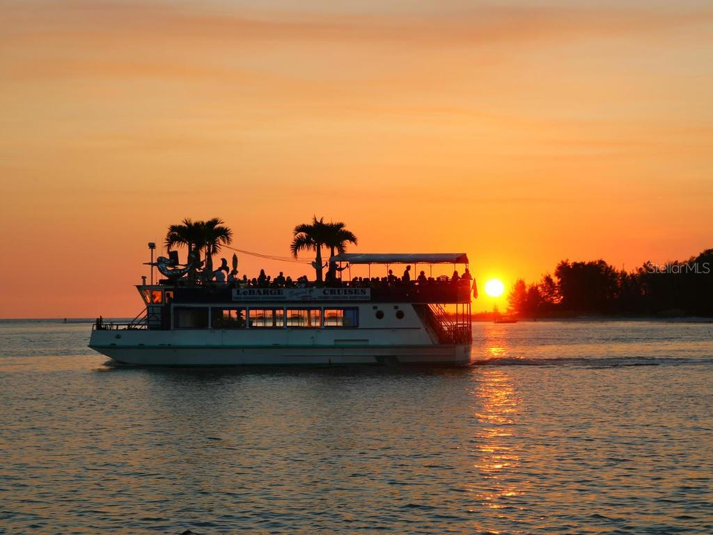 Sunset cruise from the bay to gulf - Single Family Home for sale at 500 Beach Rd #1, Sarasota, FL 34242 - MLS Number is A4474527