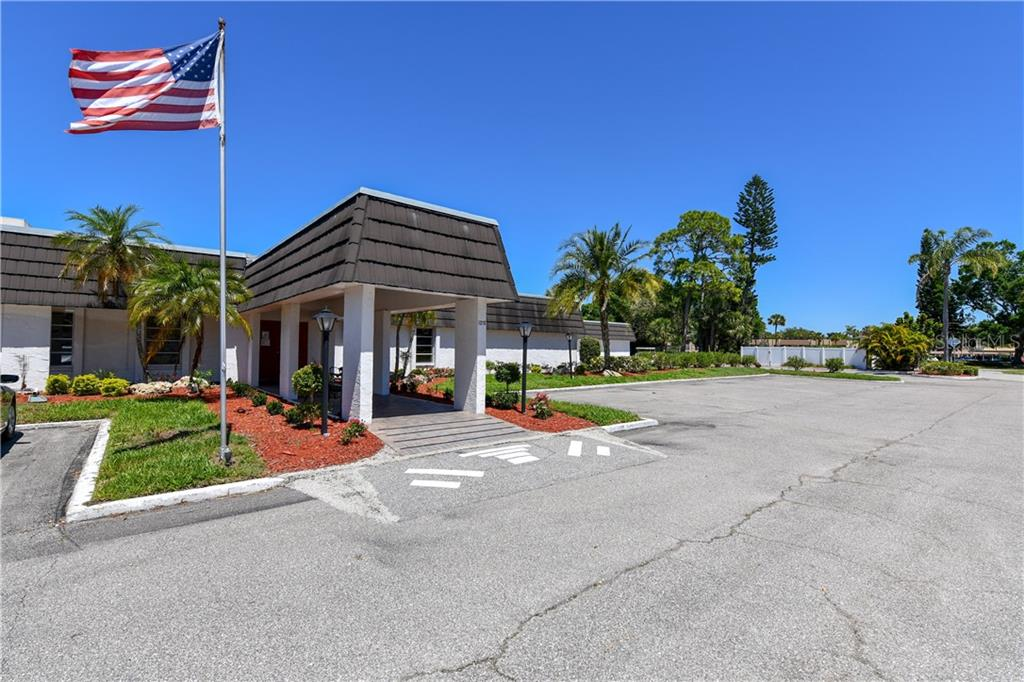 Glen Oaks Ridge Clubhouse and Offices - Villa for sale at 1321 Glen Oaks Dr E #132, Sarasota, FL 34232 - MLS Number is A4474656