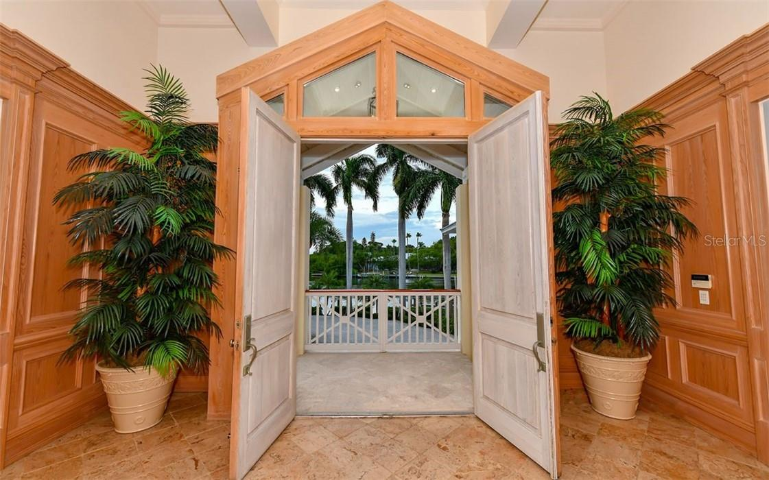 Front entry - Single Family Home for sale at 612 Juan Anasco Dr, Longboat Key, FL 34228 - MLS Number is A4475444