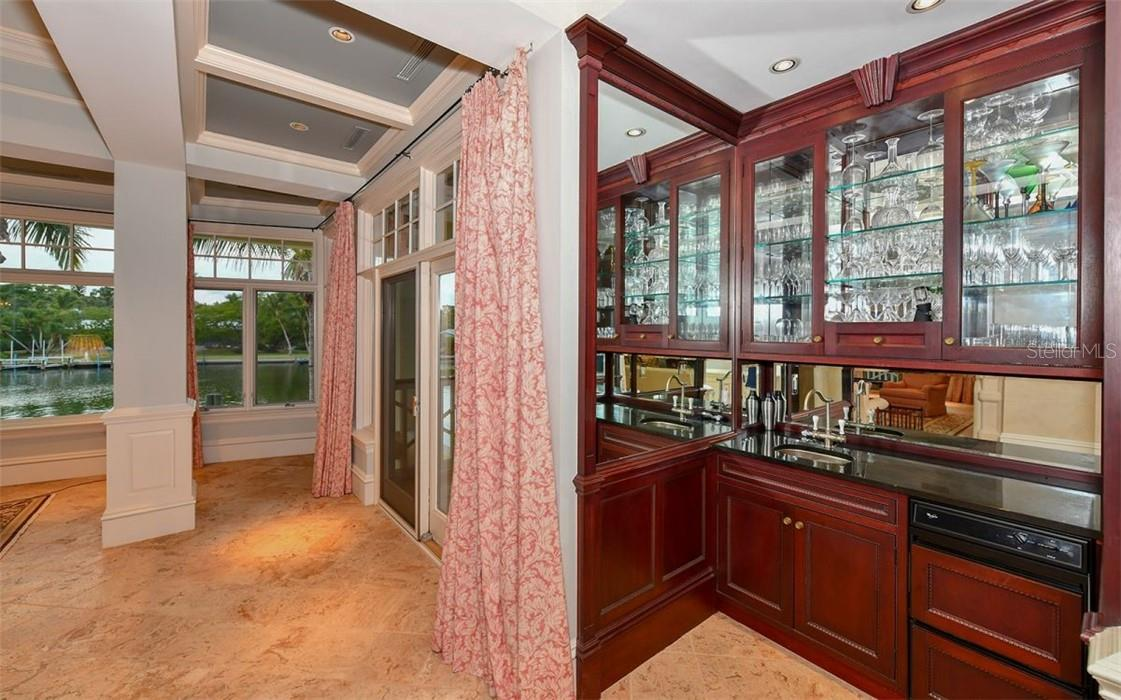 Bar area - Single Family Home for sale at 612 Juan Anasco Dr, Longboat Key, FL 34228 - MLS Number is A4475444