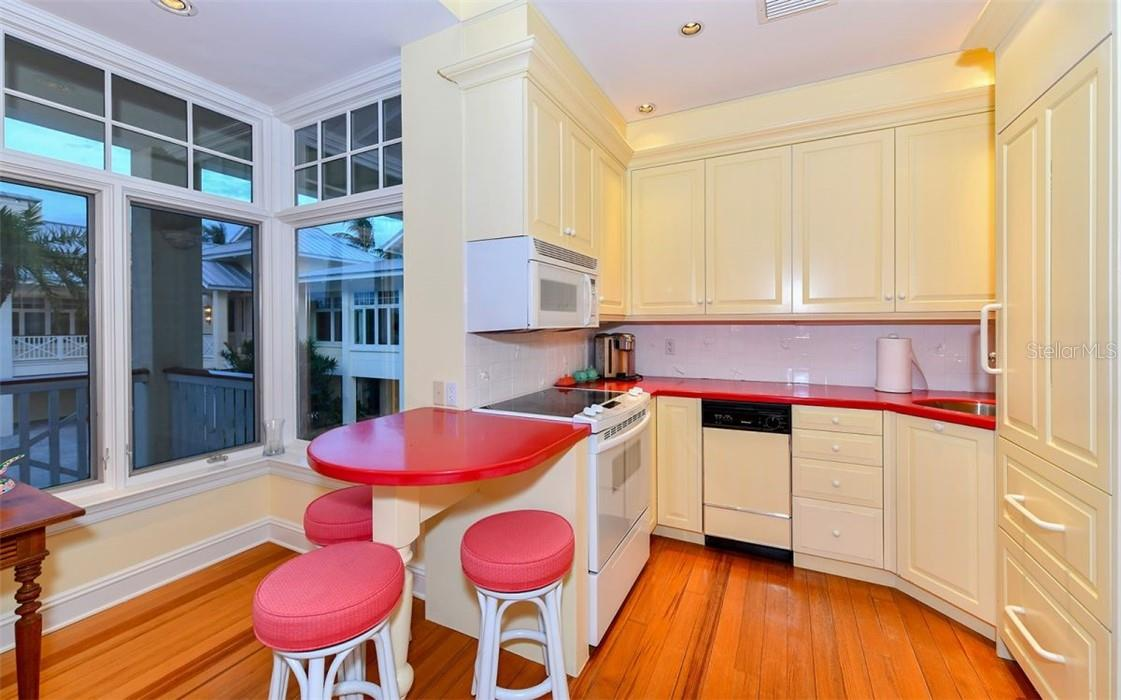 Guest house Kitchen - Single Family Home for sale at 612 Juan Anasco Dr, Longboat Key, FL 34228 - MLS Number is A4475444