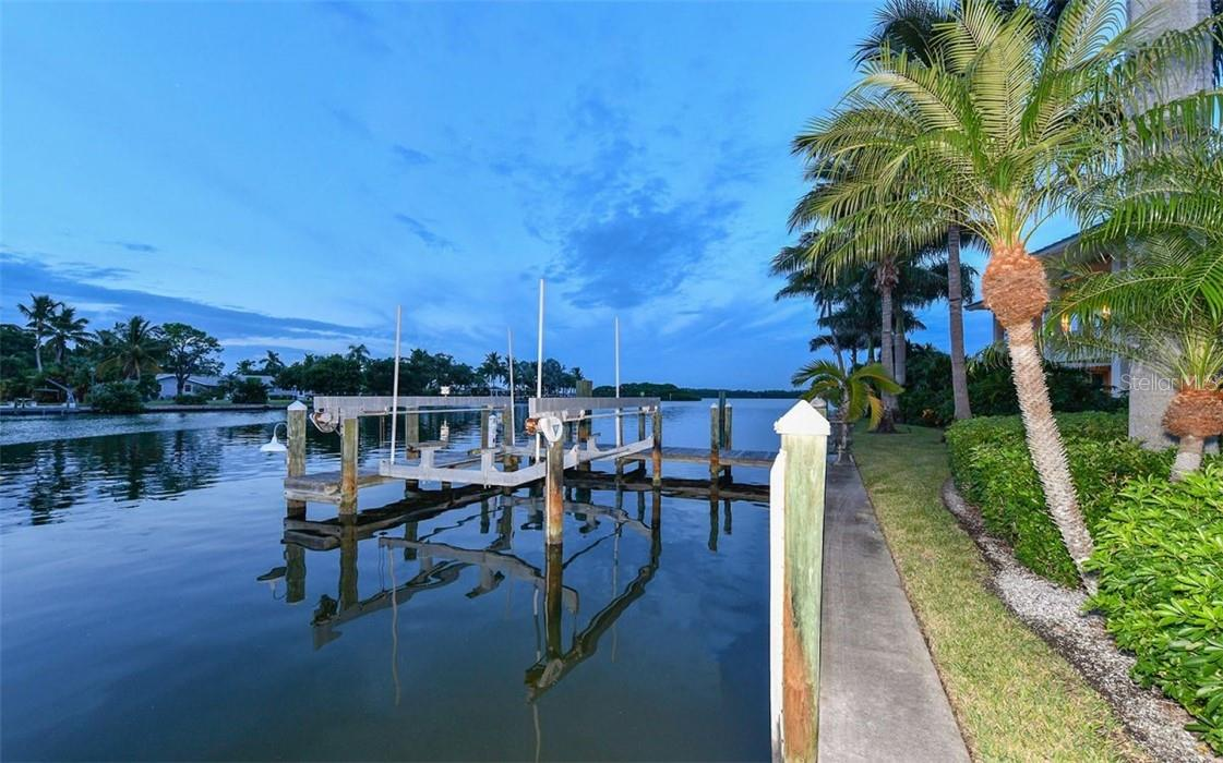 First lift - Single Family Home for sale at 612 Juan Anasco Dr, Longboat Key, FL 34228 - MLS Number is A4475444