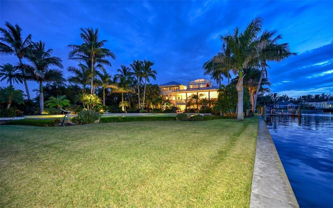 Back yard - Single Family Home for sale at 612 Juan Anasco Dr, Longboat Key, FL 34228 - MLS Number is A4475444