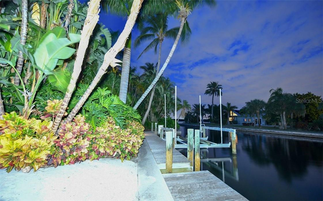 Second lift on south side of property - Single Family Home for sale at 612 Juan Anasco Dr, Longboat Key, FL 34228 - MLS Number is A4475444