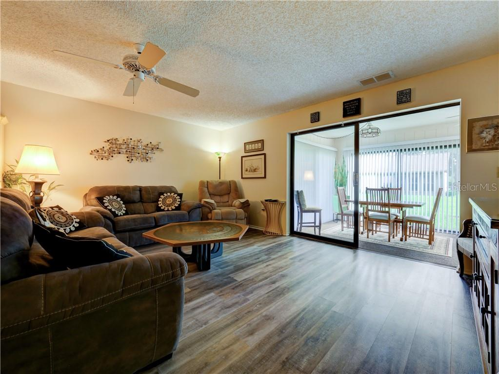 Villa for sale at 354 Oak Hill Dr #38, Sarasota, FL 34232 - MLS Number is A4478643