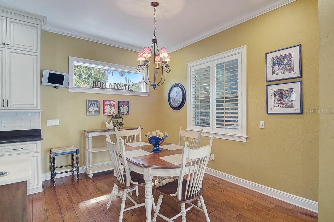 Breakfast area - Single Family Home for sale at 1839 Buccaneer Ct, Sarasota, FL 34231 - MLS Number is A4479580