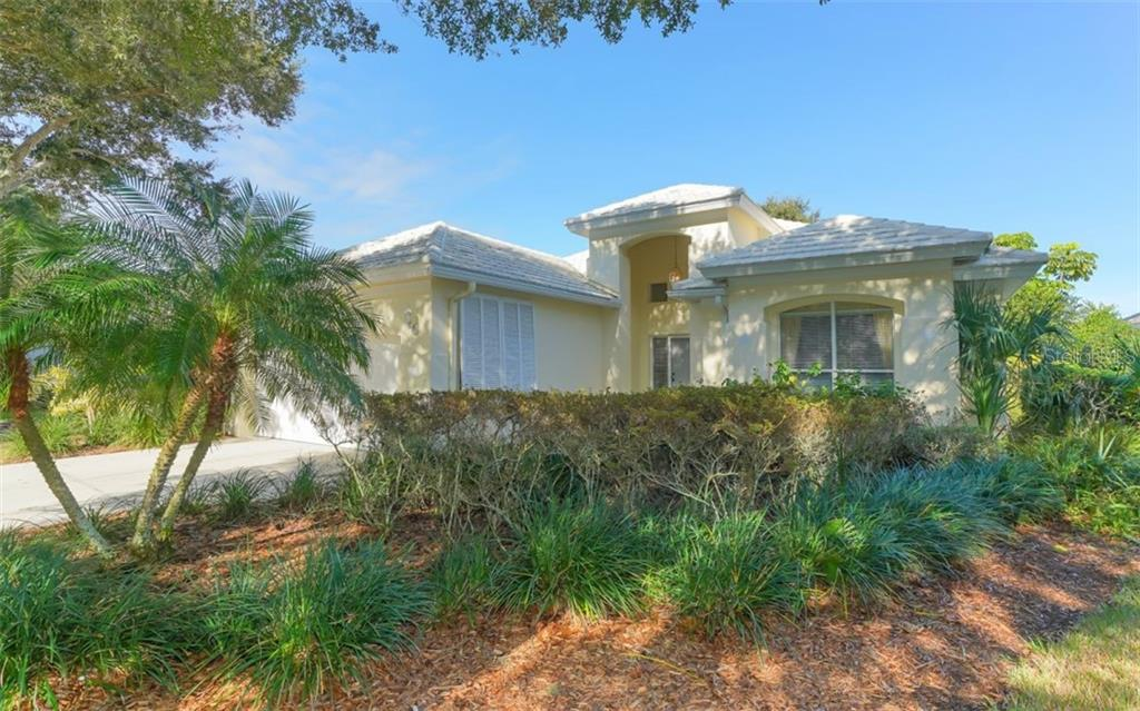 Covid Discl - Single Family Home for sale at 6525 Berkshire Pl, University Park, FL 34201 - MLS Number is A4479582