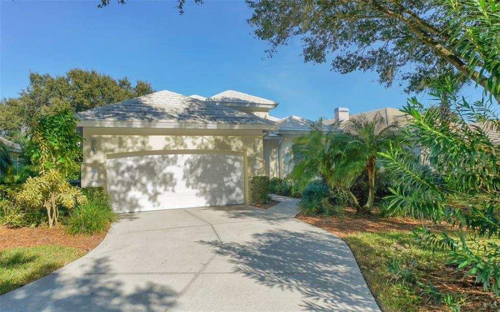 Single Family Home for sale at 6525 Berkshire Pl, University Park, FL 34201 - MLS Number is A4479582