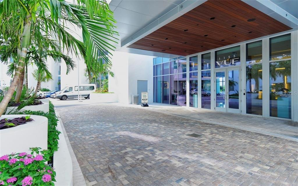 Valets will park your car for you - Condo for sale at 1155 N Gulfstream Ave #1701, Sarasota, FL 34236 - MLS Number is A4480090
