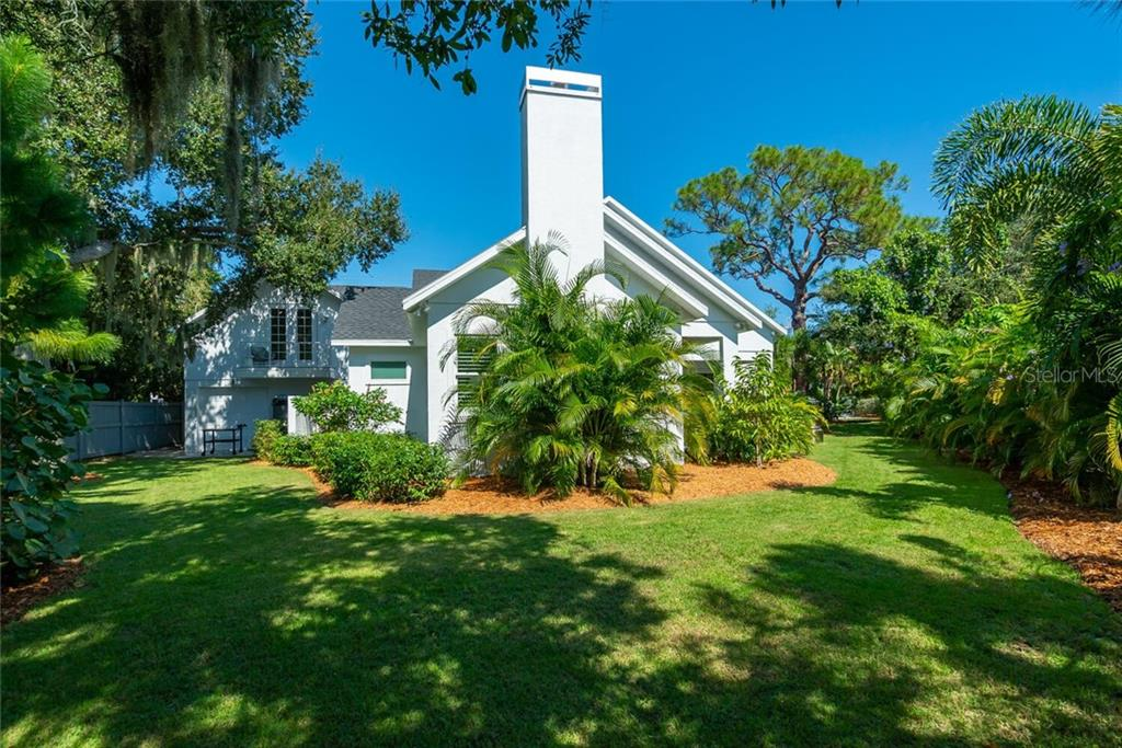Single Family Home for sale at 1778 Hyde Park St, Sarasota, FL 34239 - MLS Number is A4480901