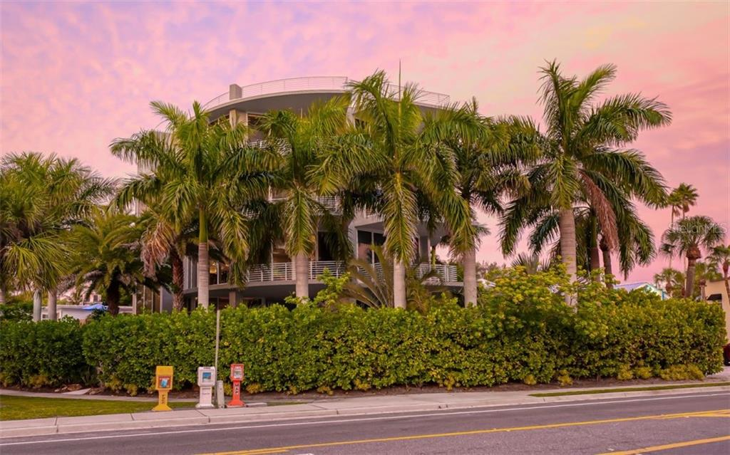 Condo for sale at 501 Beach Rd #B, Sarasota, FL 34242 - MLS Number is A4481389