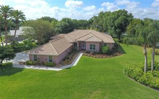 8477 Turnberry Cir, Sarasota, FL 34241