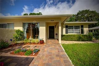 7034 W Country Club Dr N, Sarasota, FL 34243