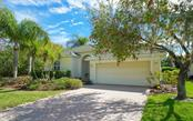 Single Family Home for sale at 6618 Westward Pl, University Park, FL 34201 - MLS Number is A4461851