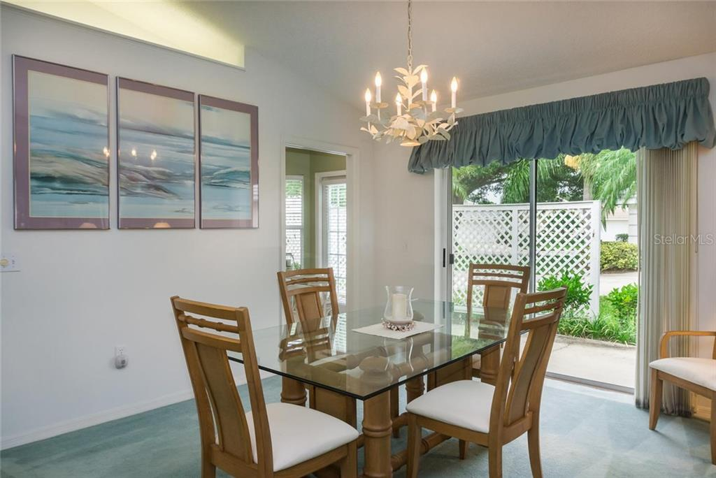 Dining Room With Sliders To Patio