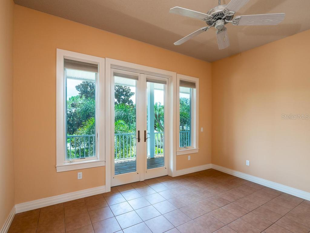Bedroom 4 - Single Family Home for sale at 743 Eagle Point Dr, Venice, FL 34285 - MLS Number is N6101092