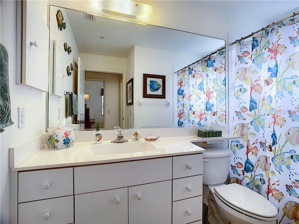 Guest bathroom - Condo for sale at 115 Woodbridge Dr #104, Venice, FL 34293 - MLS Number is N6108875