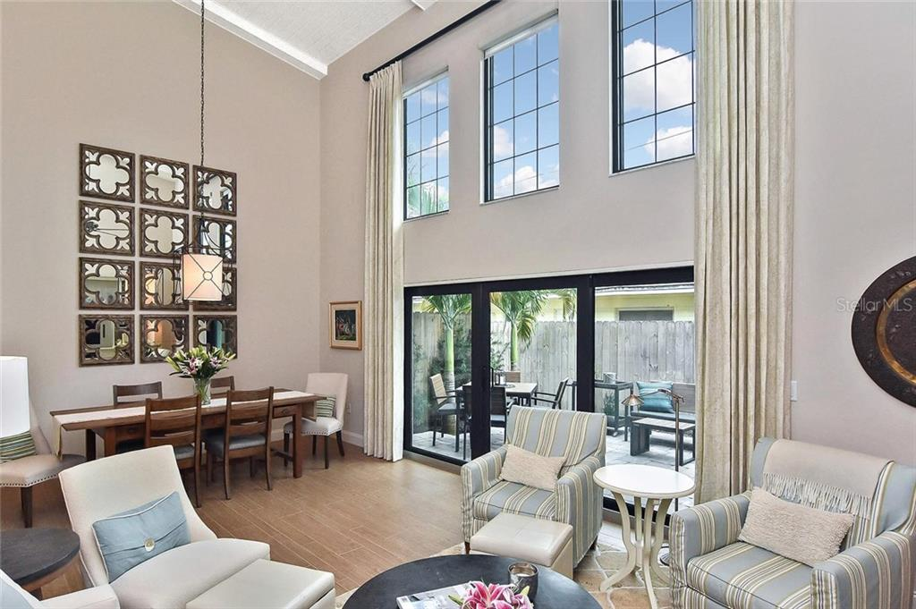 Living room/dining area - Condo for sale at 448 Palmetto Ct #B5, Venice, FL 34285 - MLS Number is N6109553