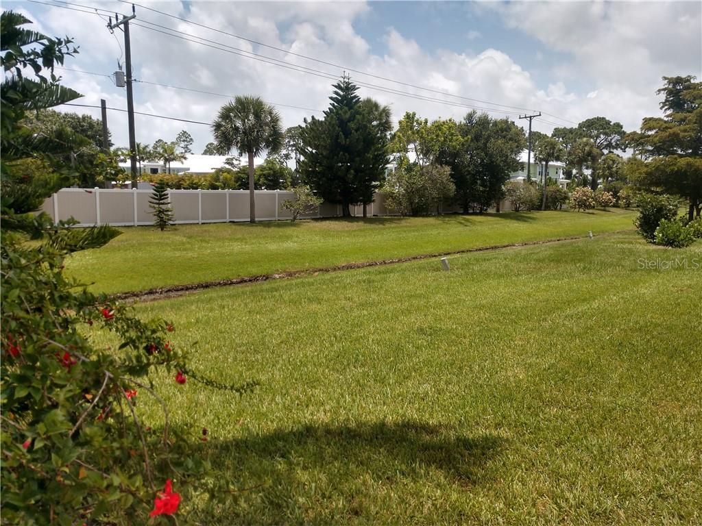 651 Foxwood Blvd, Englewood, FL 34223 - MLS N6110986