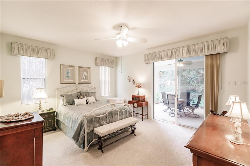 Master bedroom - Single Family Home for sale at 400 Pinewood Lake Dr, Venice, FL 34285 - MLS Number is N6111569