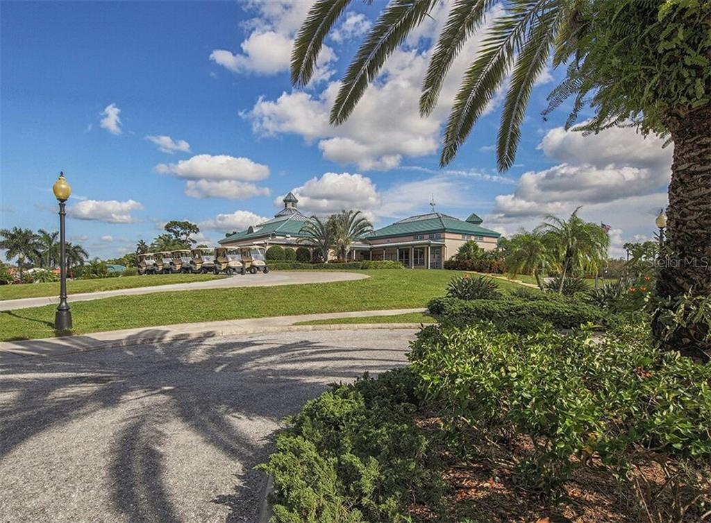Single Family Home for sale at 400 Pinewood Lake Dr, Venice, FL 34285 - MLS Number is N6111569