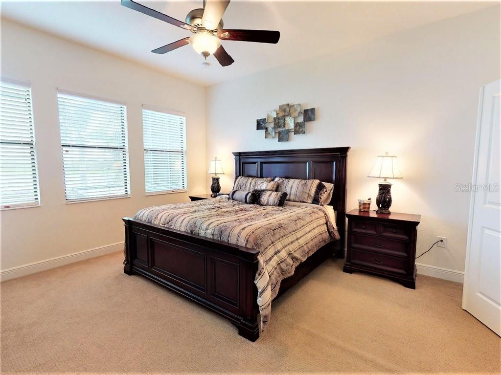 Master bedroom - Single Family Home for sale at 23793 Waverly Cir, Venice, FL 34293 - MLS Number is N6112352