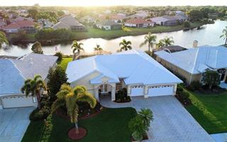 544 Lake Of The Woods Dr, Venice, FL 34293