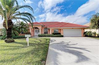 532 Lake Of The Woods Dr, Venice, FL 34293
